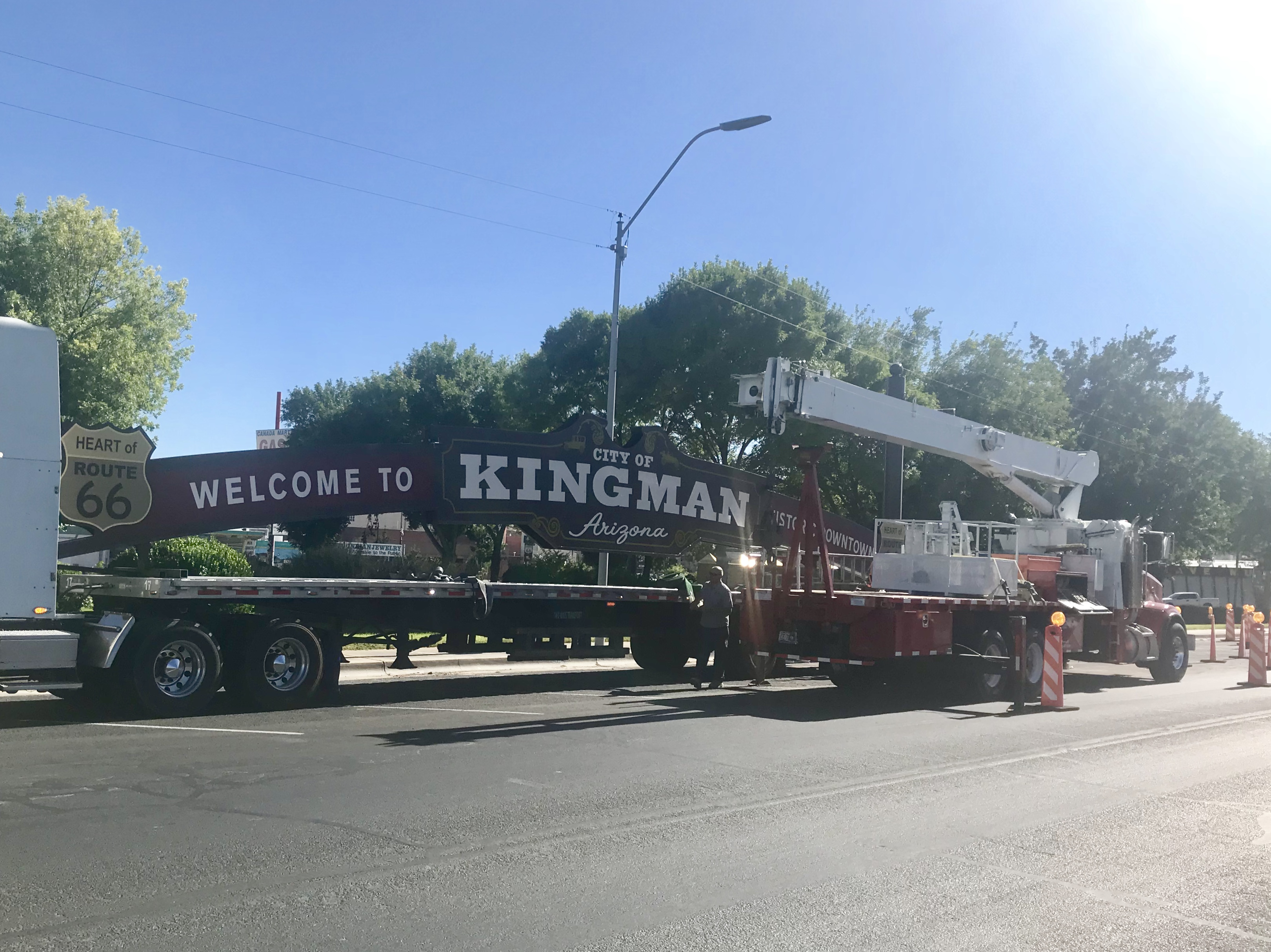 Welcome Arch Arrives In Downtown Kingman